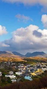 Nestled among the Twelve Bens Mountains and the Atlantic Ocean, the town of Clifden in County Galway has some breath-taking scenery sitting on its doorstep. It is also often referred to as the Capital of Connemara!