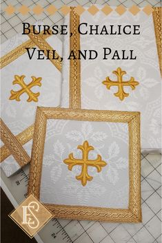Burse, chalice veils, and chalice pall. Canterbury Cross, Altar Cloth, Eucharist, Gold Work, Christian Clothing, Gold Cross, Embroidery Applique, Linen Fabric, 9 Square