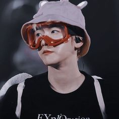 Read from the story ── 𝐊𝐏𝐎𝐏 𝐈𝐂𝐎𝐍𝐒 by tatataeuwu (𝐁𝐁𝐇𝐘𝐔𝐍) with 397 reads. Luhan, Park Chanyeol, Selca Baekhyun, Kris Wu, K Pop, Human Poses Reference, V Bts Wallpaper, Big Bang Top, Xiuchen
