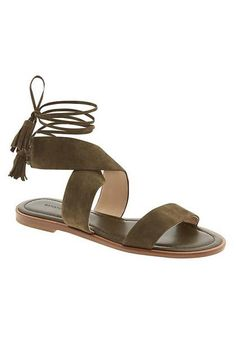 Dark green lace up sandal. WORN ONCE Army green suede lace up sandal Banana Republic Shoes Sandals Shoes Flats Sandals, Lace Up Sandals, Suede Sandals, Gladiator Sandals, Flat Sandals, Grunge Style, Soft Grunge, Ankle Boots, Shoe Boots
