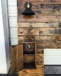 Rustic Headboard upgraded Wood Headboard Queen by CECustoms Pallet Furniture, Rustic Furniture, Cheap Furniture, Porch Furniture, Headboard Designs, Headboard Ideas, Full Headboard, Queen Headboard, Reclaimed Wood Headboard