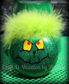 Lovin' the Grinch ornament! Vinyl Ornaments, Grinch Ornaments, Ornament Crafts, Grinch Christmas, Christmas Time, Christmas Ideas, Christmas Bulbs, Holiday Ideas, Holiday Decor