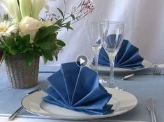Table Etiquette, Queen Art, Napkin Folding, Origami Flowers, Diy For Teens, Communion, Napkins, Table Settings, Table Decorations