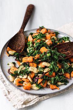 Butternut Squash, Kale, Butter Bean & Pesto Salad - Cupful of Kale Bean Recipes, Veggie Recipes, Vegetarian Recipes, Cooking Recipes, Healthy Recipes, Healthy Meals, Warm Salad Recipes, Vegetarian Salad, Nutritious Meals