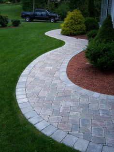 to design and build a paver patio - Garden Design to design and build a paver patio - Garden Design long front sidewalk landscape design Front Yard Walkway, Outdoor Walkway, Front Yard Landscaping, Backyard Patio, Walkway Ideas, Paver Walkway, Patio Ideas, Pavers Patio, Outdoor Landscaping
