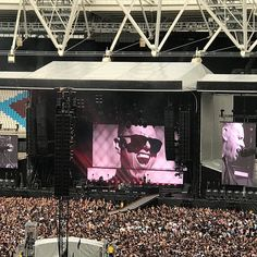 There's so much love in me @depechemode #depechemode  #London #londoner #londonist #london #londonlife #eastLondon #westham #queenelizabethstadium
