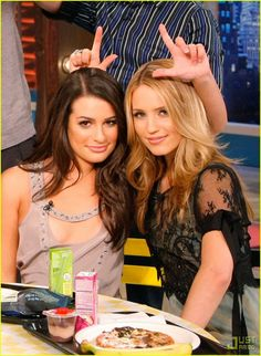 "Lea Michele and Dianna Agron :""> (glee)"