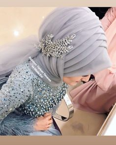 Bridal Hijab, Muslim Wedding Dresses, Muslim Brides, Pakistani Bridal Dresses, Muslim Girls, Fairytale Bridal, Hijab Style Tutorial, Simple Hijab, Stylish Hijab