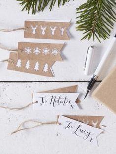 Geschenkanhänger mit ausgestanzten Motiven Christmas Card Crafts, Stampin Up Christmas, Christmas Wrapping, Christmas Tag, Christmas Decorations, Diy Presents, Presents For Mom, Card Tags, Gift Tags