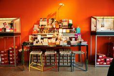 #Winkelbeleving #Concept #Warenhuis3.0 #Story #RachelShechtman #Presentatie #Hotspot #Stap2 www.Retailtheater.nl Independent Business, No Response