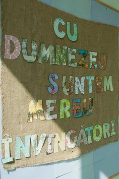 întrecoperți Romans 8, Classroom Decor, Messages, Home Decor, Decoration Home, Room Decor, Text Posts, Home Interior Design