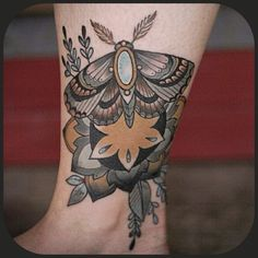 Moth tattoo on ankle by Kirsten Holliday - lovely neutral tones Moth Tattoo, Ankle Tattoo, Wonderland Tattoo, Botanical Tattoo, Botanical Illustration, Flower Tattoos, Tatting, Body Art, Ink