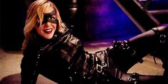 Dinah Laurel Lance, always trying to save the world. RIP Laurel Lance, April 6 The strongest hero the world has ever known. Arrow Black Canary, White Canary, Crying Gif, Black Siren, Dinah Laurel Lance, Arrow Cw, Lance Black, Dc Tv Shows, Killer Frost