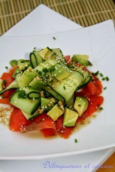 Salade de saumon fumé au concombre et avocat