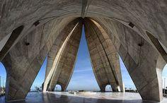El Makam Chahid,(Monument des Martyrs), Alger, Algérie, Afrique du Nord by Batistini Gaston, via Flickr
