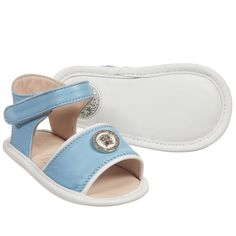Light blue leather pre-walker baby sandals by Young Versace. This cute, open-toe design has a velcro ankle strap fastening and the designer's signature silver Medusa head logo charm across the toes. They are fully lined in leather and have a leather sole. Baby Sandals, Kids Sandals, Versace Kids, Open Toe, Ankle Strap, Espadrilles, Light Blue, Shoe Bag, Medusa Head