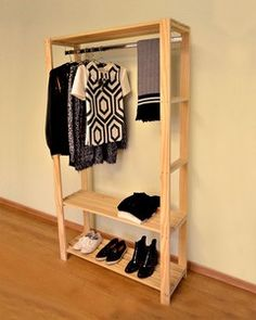 Diy Kitchen Storage, Diy Kitchen Cabinets, Wood Wall Shelf, Wall Shelves, Mini Closet, Madeira Natural, Small Wood Projects, New Room, Wardrobe Rack