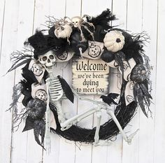 28 Halloween wreath Skeleton Halloween Wreath