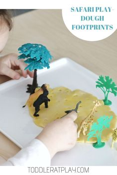 This Safari Play-dough Footprints guessing game is super quick to prep and super fun, I know for a fact your kids will looove it! Games For Toddlers, Indoor Activities For Kids, Toddler Activities, Fun Activities, Toddler Games, Preschool Ideas, Eco Kids, Playdough Activities, Homemade Playdough