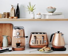 Fresh Essentials Kitchen Appliances found on this page can be the foundation for your concept and design, therefore it can serve as your inspiration. Rose Gold Kitchen, Copper Kitchen Decor, Copper Decor, Home Decor Kitchen, New Kitchen, Home Kitchens, Kitchen Dining, Copper Kitchen Accents, Küchen Design