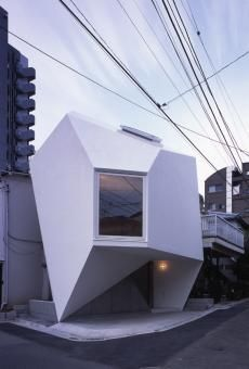 Reflection of Mineral, a small house by Atelier Tekuto, Tokyo, Japanese Architecture, Beautiful Architecture, Beautiful Buildings, Residential Architecture, Contemporary Architecture, Interior Architecture, Minimal Architecture, Unique Buildings, Contemporary Style