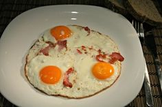 Ham and eggs (hemendex) - Nemzeti ételek, receptek Ham And Eggs, Fitt, Breakfast, Drink, Morning Coffee, Beverage, Drinking