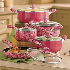 If I didn't have a male chef in my kitchen (meaning DH), I would have this in a heartbeat. I don't think he'd cook with a pink set, and best not to rock the boat since hubby likes to cook!