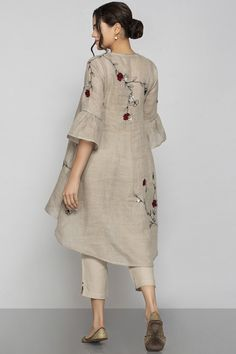 Shop Kaveri Linen Embroidered Tunic , Exclusive Indian Designer Latest Collections Available at Aza Fashions Fancy Dress Design, Stylish Dress Designs, Simple Pakistani Dresses, Pakistani Dress Design, Pakistani Fashion Party Wear, Pakistani Outfits, Stylish Dresses For Girls, Casual Dresses, Fashion Dresses