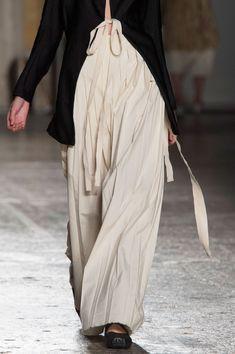 Uma Wang at Milan Fashion Week Spring 2016 - Details Runway Photos