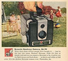 Fun Kodak advertisement for the Brownie Hawkeye camera. This advertisement is for the version manufactured at the Kodak plant in Toronto. Antique Cameras, Old Cameras, Vintage Cameras, Vintage Ads, History Of Photography, Photography Camera, Vintage Photography, Photography Rules, Pregnancy Photography