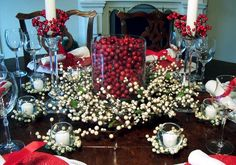 Christmas Tablescape Ideas      #MerryChristmas #Tablescapes  @TheDailyBasics ♥♥♥