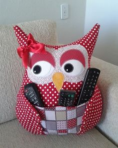 Fabric Crafts Make a Owl Pillow Remote - Women's Fashion Ideas - - Fabric Crafts Make a Owl Pillow Remote – Women's Fashion Ideas DIY und Selbermachen Stoff Handwerk machen eine Eule Kissen Fernbedienung – Damenmode Ideen Owl Sewing, Sewing Toys, Sewing Crafts, Sewing Projects, Owl Patterns, Sewing Patterns, Owl Cushion, Sewing Stuffed Animals, Owl Pillow