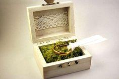 Porte alliance petit coffre/ coffret nature et romantique avec mousse par AurorasPrettyWedding