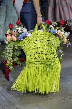 Prabal Gurung at New York Fashion Week Spring 2020 - Details Runway Photos # crochet fashion runway 2020 Prabal Gurung at New York Fashion Week Spring 2020 Fashion 2020, New York Fashion, Runway Fashion, Fashion Show, Motif Bikini Crochet, Fashion Bags, Fashion Accessories, New Yorker Mode, Mode Crochet
