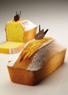 Plum Cake all'Olio d'Oliva Sweet Recipes, Real Food Recipes, Cake Recipes, Dessert Recipes, Cupcakes, Cake Cookies, Sweet Corner, Plum Cake, Torte Cake