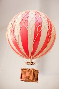vintage hot-air balloon [model]