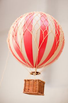vintage hot-air balloon [model]