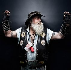 Bikers – Portraits of Hells Angels by Nicolas Auproux-12