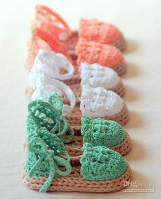 Cute crocheted sandals! OMG I gotta get these!