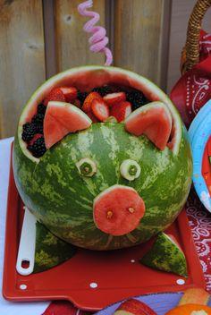 Watermelon Pig :) Pig Roast Party, Pig Party, Luau Party, Farm Animal Party, Barnyard Party, Farm Party, Watermelon Pig, Watermelon Carving, Peppa Pig