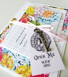 Inspired Wedding Invitation // Alice Blue Florals di HouseofEmery