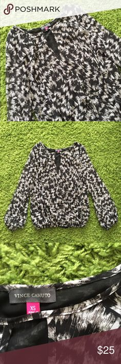 Vince Camuto black white pattern top Vince Camuto black white pattern top Vince Camuto Tops Blouses