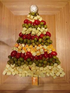This is the one we actually made for our Christmas Party. I liked the idea of olives better. So did the guests!