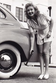 Betty Grable - c. 1946looks like my mother!