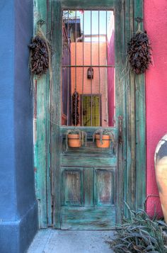 Adobe Entry, Tucson, Arizona