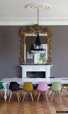Gekleurde eetkamerstoelen in de keuken - THESTYLEBOX