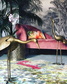 Bock bock friends, it's the weekend! Flocking over this inspo lounge set up. Is it Spring time yet? Interior Styling, Interior Decorating, Homemade Rugs, Dark Grey Background, Tropical Design, Lounge Decor, Hand Tufted Rugs, Oriental Fashion, Eclectic Decor