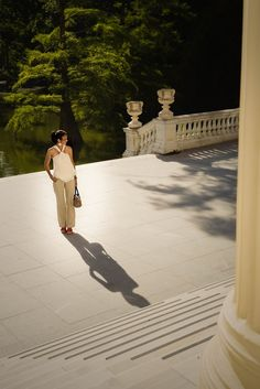 Photos au parc Retiro à Madrid sur le Photos at a square of the palace on the Palace, Madrid, Images, About Me Blog, Tops, Fashion, Welcome, Bonjour, Photography