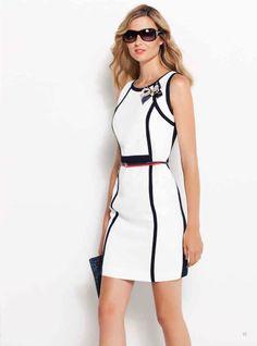 Precioso vestido de inspiración marinera. Beautiful maritime inspired dress.