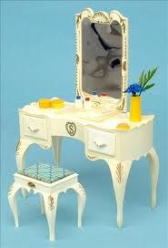 Sindy dressing table. I still have this & everything else...boxed!